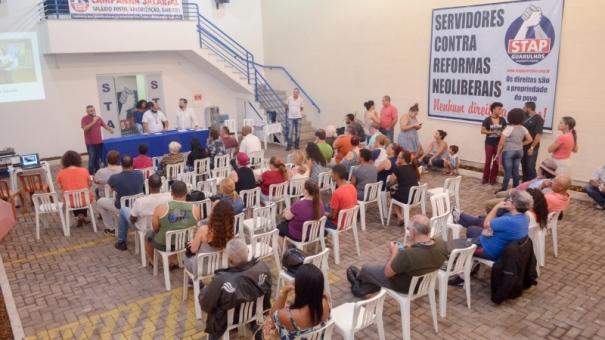 Servidores pedem reajuste de 13%, mesmo índice do aumento da tarifa de ônibus