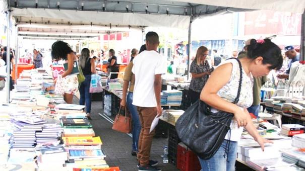 Obras de autores guarulhenses são destaque na Feira de Livros