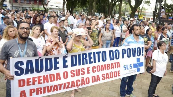 Conselho Municipal da Saúde entrega denúncia ao Ministério Público