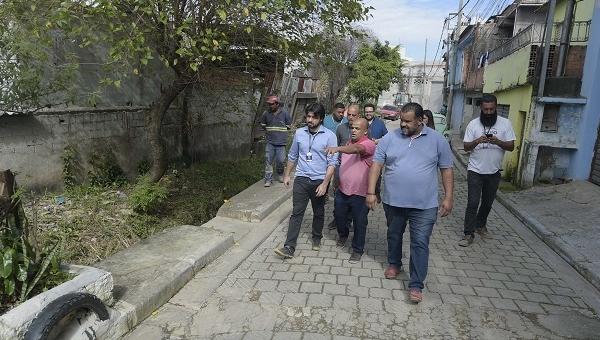 Prefeitura inicia pavimentação de viela no Jardim São Domingos