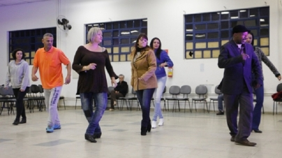 Baile Balada acontece neste sábado no Adamastor Centro