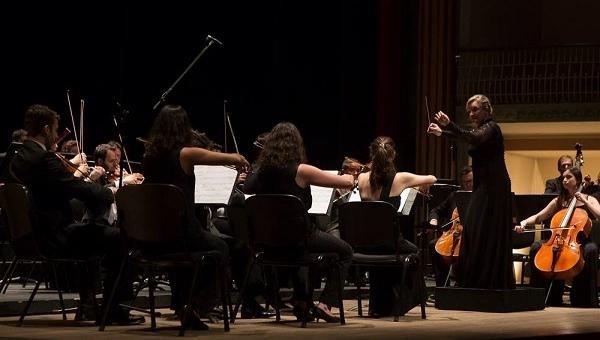 Sob regência de Ligia Amadio, Orquestra do Theatro São Pedro recebe mezzo-soprano Ana Lucia Benedetti