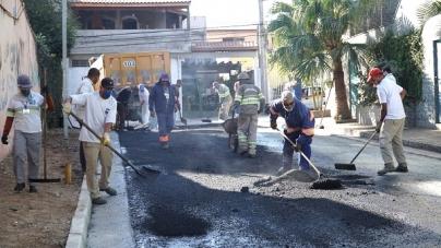 Rua do Presidente Dutra é pavimentada pela Proguaru