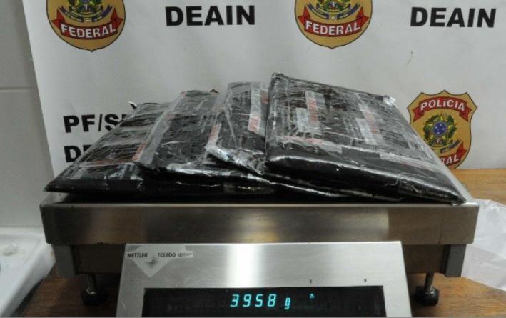Polícia Federal prende mulher com mais de 3kg de drogas