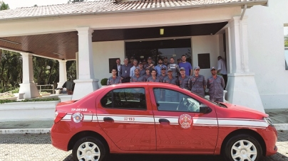 Prefeitura entrega nova viatura para o Corpo de Bombeiros