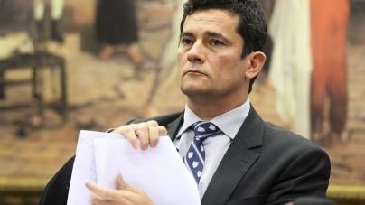 Bolsonaro diz que vai chamar Moro para Ministério da Justiça ou STF
