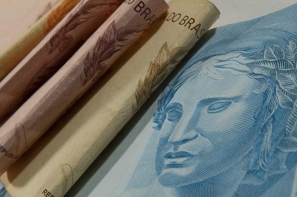 Dois em cada dez brasileiros que poupam fazem reserva para aposentadoria
