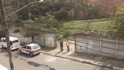 Rua no Jardim Kátia racha ao meio após movimentação de terra