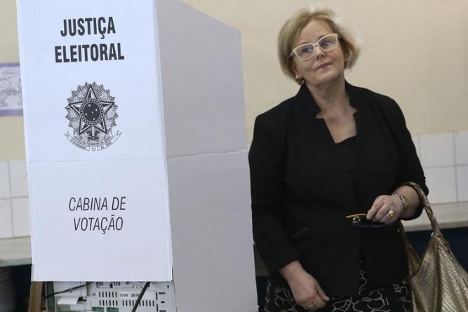 Rosa Weber tem segurança reforçada para votar