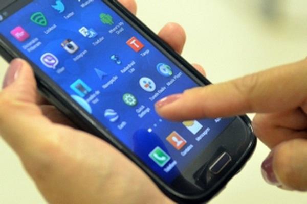 Linhas celulares pós-pagas crescem mais de 13% nos últimos 12 meses