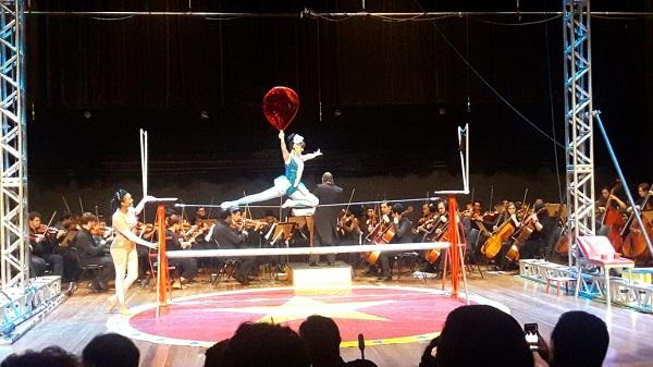 Circo em Concerto leva grande público ao Adamastor Centro