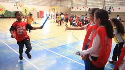 Alunos da EPG Helena Antipoff fazem cartas sobre participação nos Jogos Escolares