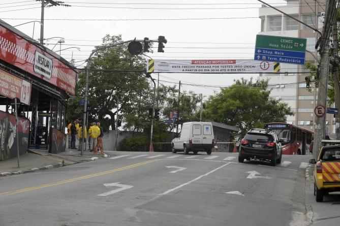 Motoristas aprovam mudanças em trecho crítico da avenida Emílio Ribas