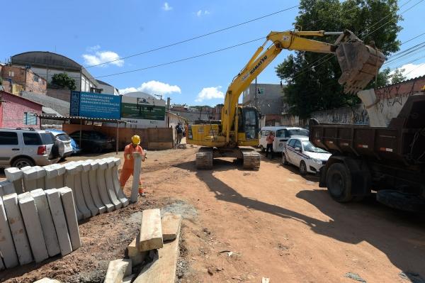 Prefeitura retoma obra parada de reurbanização integrada da Vila Nova Cumbica