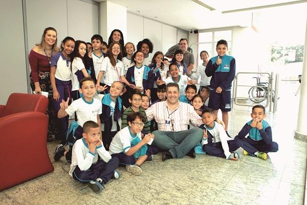 Alunos da EPG Ione Gonçalves apresentam sugestões ao secretário de Educação
