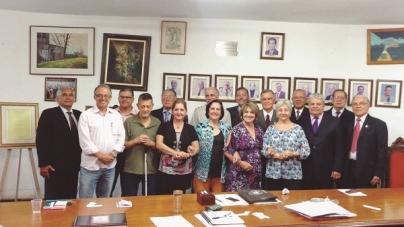 Acadêmicos de Guarulhos farão palestras na Bienal do Livro