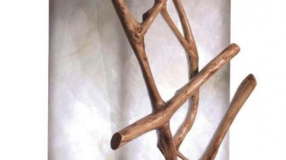 Madeira em mobiliário dá um toque especial na decoração