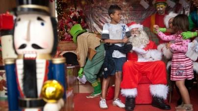 Correios da cidade abrem campanha para adotar cartas do papai Noel