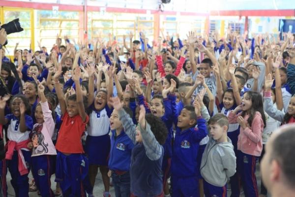 Projeto Heróis em Ação transforma escolas da rede municipal
