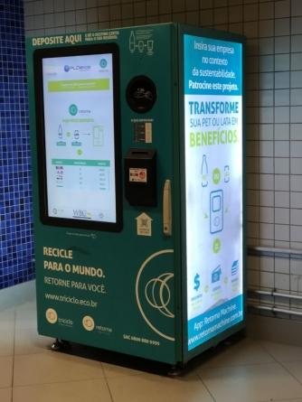 Máquina de coletar embalagens de vidro para reciclagem será instalada no Tenda Atacado Bonsucesso