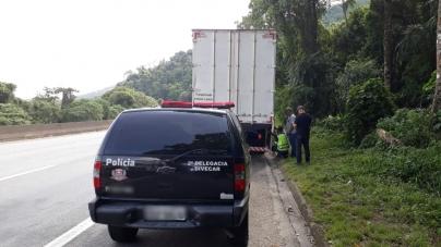 Carga de turbina de avião roubada na Fernão Dias é recuperada