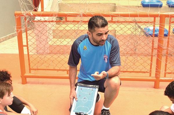 """Márcio Toni aponta """"imposição"""" como ponto chave para Guarulhense garantir o título nas iniciantes"""
