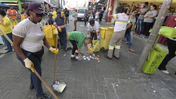 Limpeza Urbana reforça fiscalização no período de compras