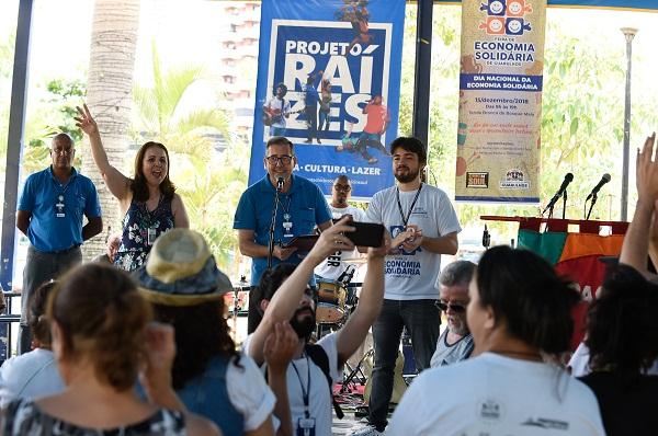 Artesãos recebem carteira da Sutaco no Dia Nacional da Economia Solidária