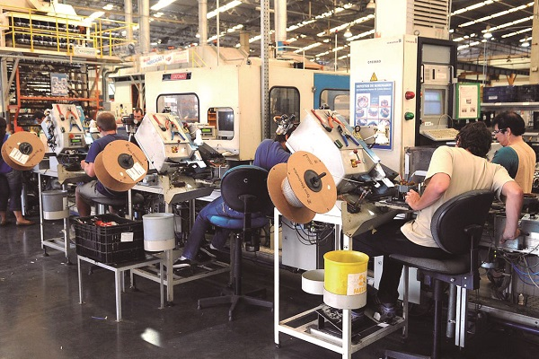 Indústria em Guarulhos registra aumento de vagas em seis setores