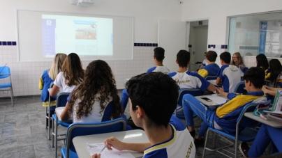 Grupo Marconi oferece aulas com lousa digital e agenda online