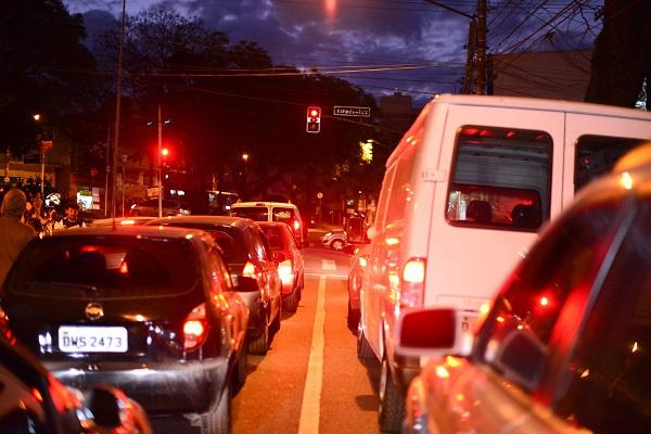Pesquisa da Arteris mostra que apenas 3% dos motoristas paulistas consideram o trânsito brasileiro seguro
