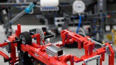 Competições incentivam jovens a entrar para a área da robótica