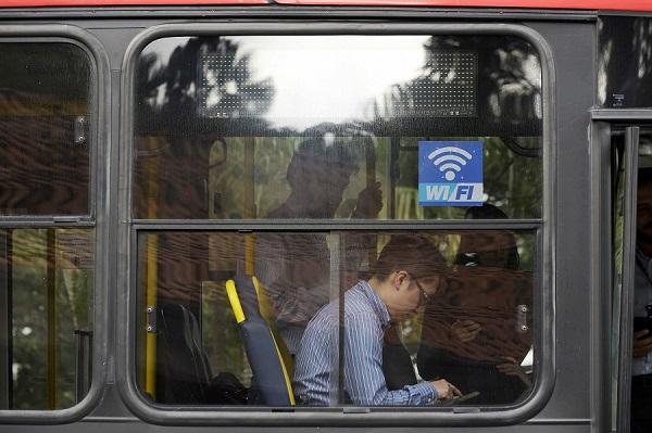 Projeto busca expansão de pontos de wi-fi gratuitos na cidade