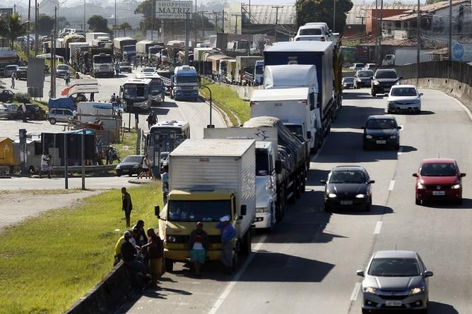 Protesto dos caminhoneiros e o preço da gasolina