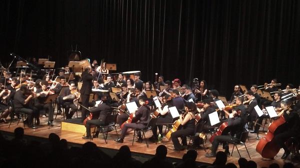 Orquestra Jovem comemora 15 anos com espetáculo em homenagem a Villa-Lobos