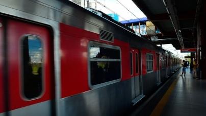 Mulher morre após ser atropelada por trem da CPTM na zona oeste de SP