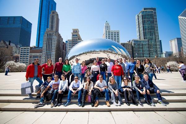 Agência de turismo cria roteiros de imersão para brasileiros em Chicago