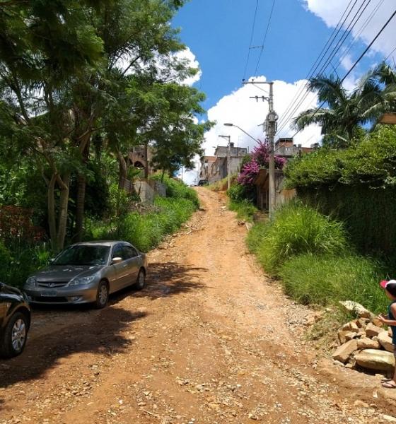 Prefeitura inicia pavimentação de via no Cabuçu