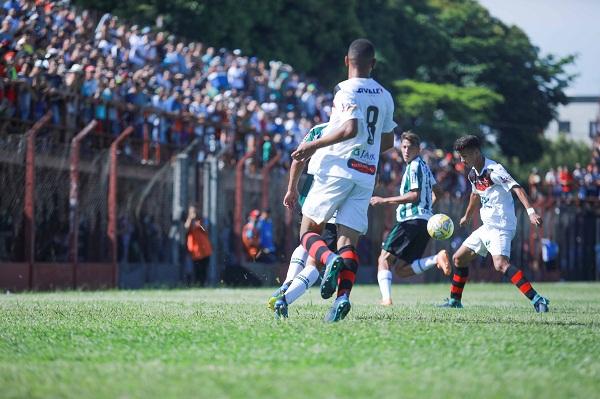 Flamengo e São Caetano se enfrentam pela Copinha neste sábado em Guarulhos