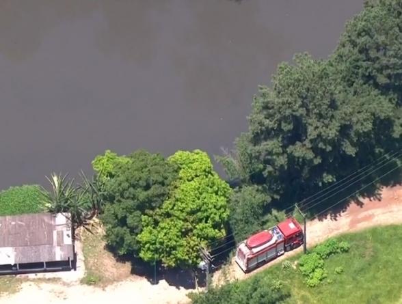 Bombeiros buscam jovem que sumiu no Rio Tietê após fugir de cativeiro