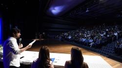 Programa Jovem Trabalhador forma mais 185 alunos em cerimônia no Adamastor Centro