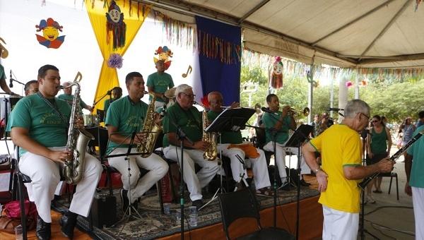 Banda Lira apresenta Carnaval da Saudade no Bosque Maia e no Lago de Vila Galvão