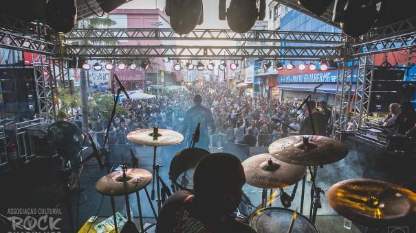 Associação Cultural Rock Guarulhos realiza CarnaRock 2019 no Calçadão da Rua Dom Pedro II