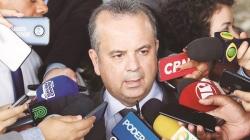 Bolsonaro aprova idade mínima de 65 anos para homens e 62 para mulheres na reforma da Previdência