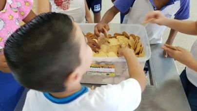 Crianças da EPG Professora Deucélia Adegas Peras são prejudicadas com a falta de alimentos