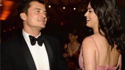 Orlando Bloom pede Katy Perry em casamento no Valentine's Day