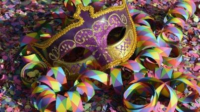 Carnaval no Internacional Shopping tem oficinas infantis, bailinho e escola de samba