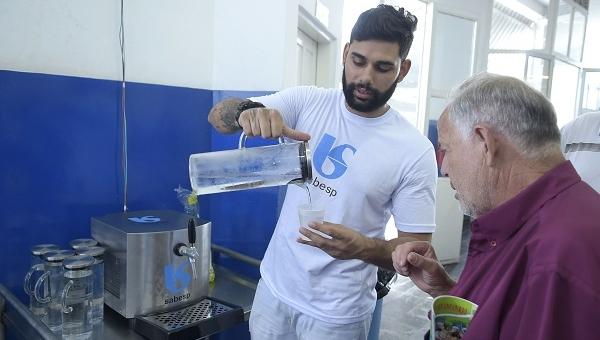 Restaurantes Populares de Guarulhos ganham chopeiras de água da Sabesp