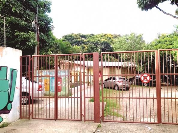Cidade ainda possui três escolas de lata
