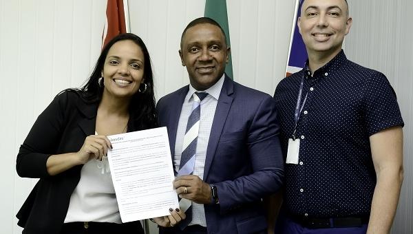 Câmara de Guarulhos fecha parceria com Universidade São Judas